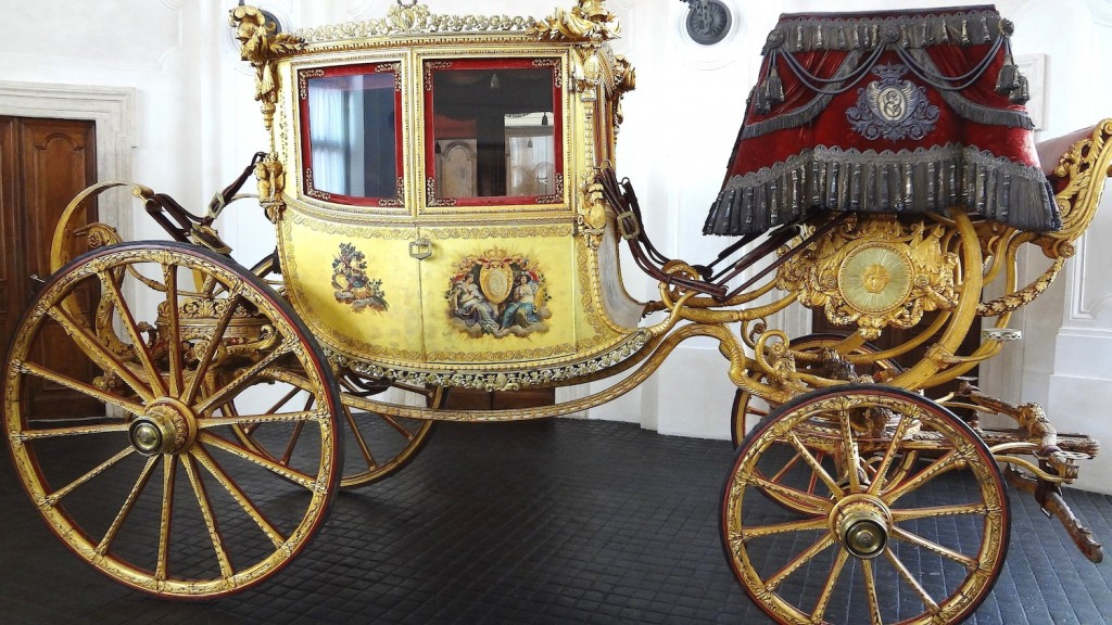 Savoy Royalty Carriage
